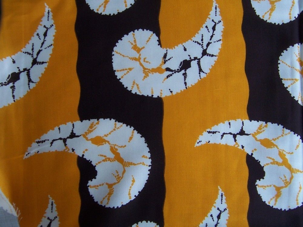 39 X 44 Stunning Saffron Off White And Brown Print Pure Silk Twill Fabric